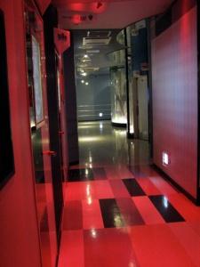karaokehall1.jpg